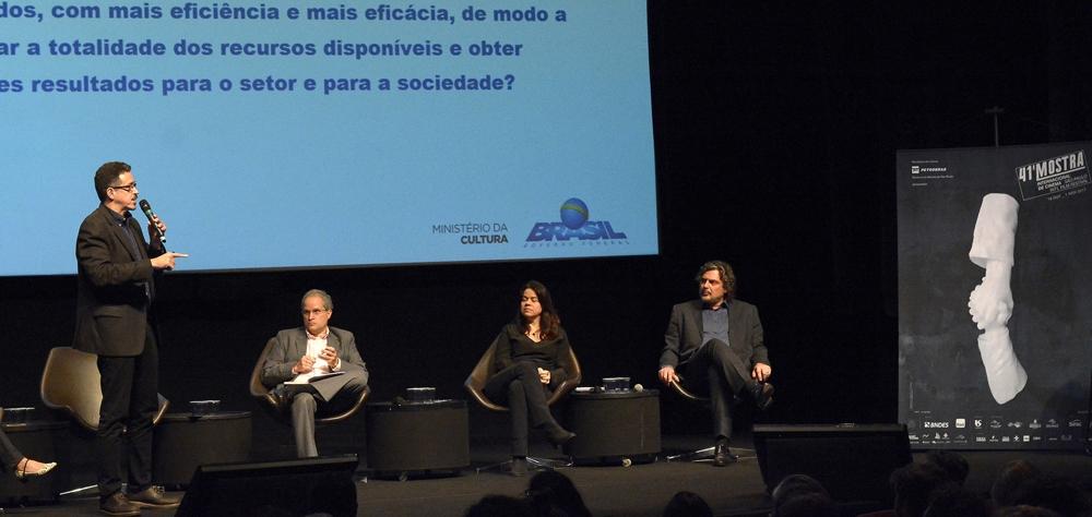 Fundo Setorial do Audiovisual guiou debate com o ministro da Cultura no I Fórum Mostra-Folha; assista