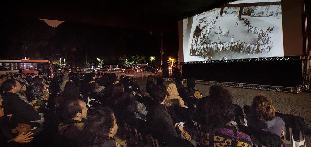 """""""As Canções"""", de Eduardo Coutinho, abre as exibições gratuitas no vão-livre do Masp"""