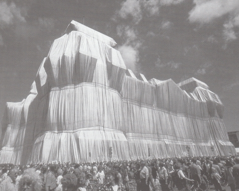 Christo & Jeanne Claude Wrapped Reichstag