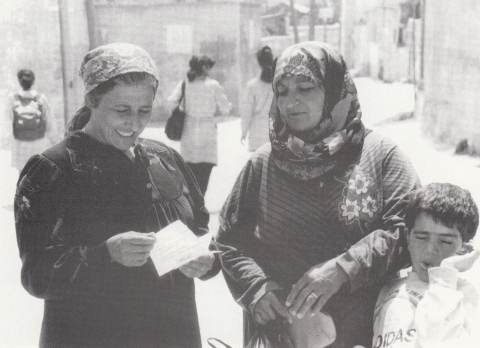 Mulheres Da Porta Ao Lado