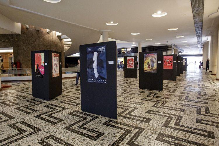 Exposição de cartazes da Mostra