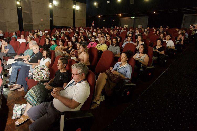 Cinearte 1 / Público no debate com o diretor Ai Weiwei após a sessão de seu filme Human Flow
