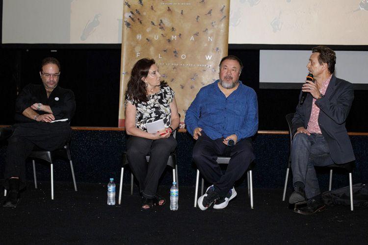 Cinearte 1 / Debate com o diretor Ai Weiwei após a sessão de seu filme Human Flow. Marcelo Dantas (curador), intérprete de Ai Weiwei, o diretor, Mário César Carvalho (Folha de S.Paulo)