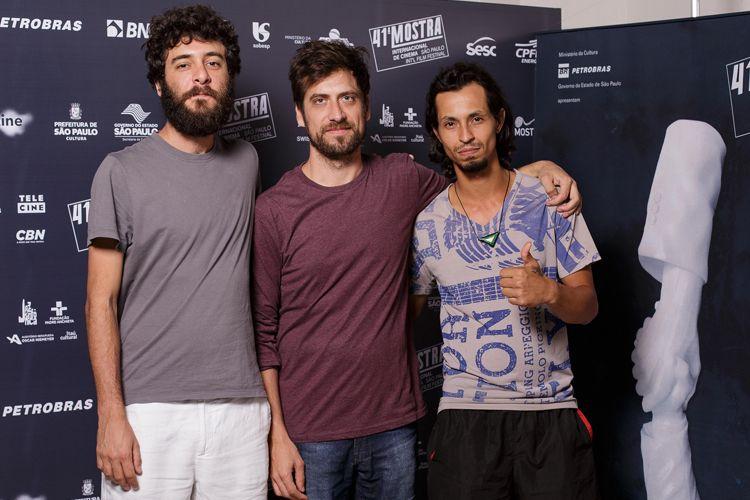 Equipe do filme Arábia: Vitor Graize (produtor), João Dumans (diretor) e Aristides de Sousa (ator)