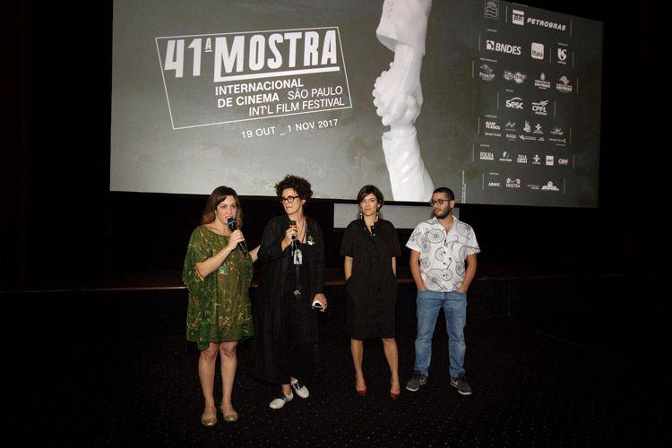 Cinearte 1 / Joana Mariani e Paula Trabulsi, diretoras de A Imagem da Tolerância, e membros da equipe, apresentam seu filme