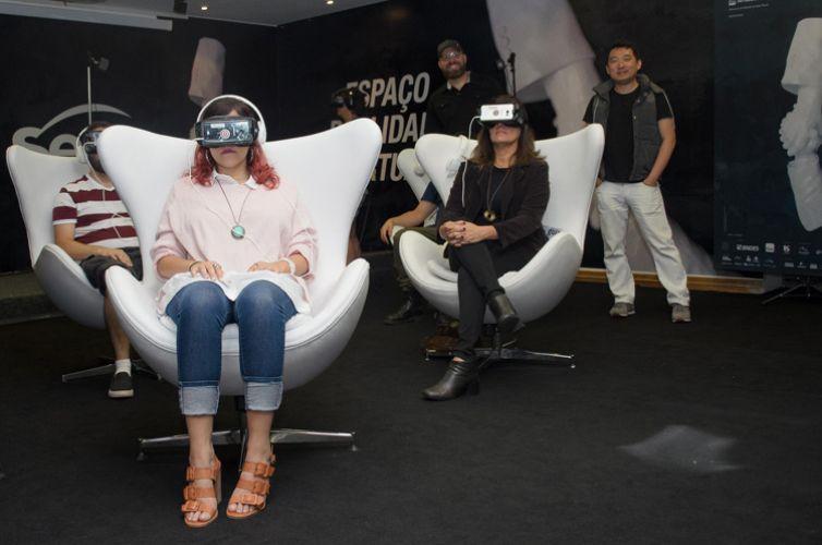 Cinesesc – Auditório / Sessões VR (Realidade Virtual) / A 41ª Mostra traz um panorama da produção recente em VR (do inglês virtual reality) com 19 filmes