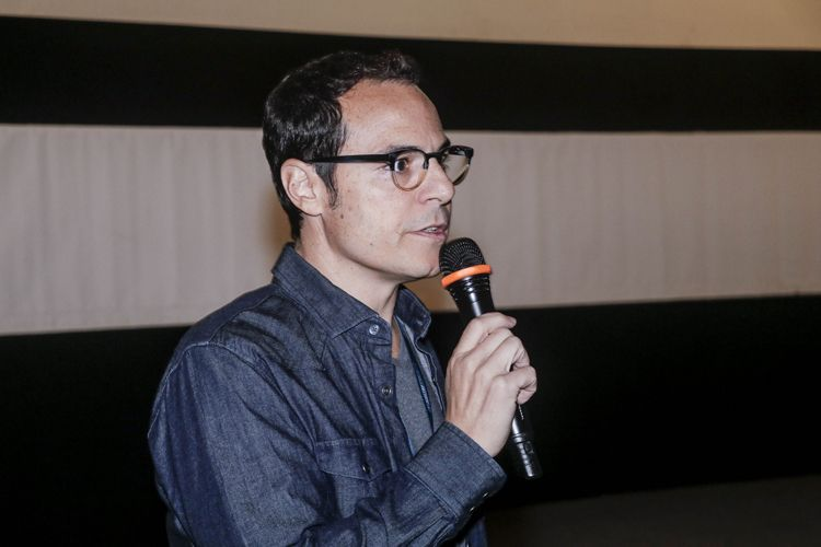 Cinesala / Ricardo Mehedff, diretor de Foro Íntimo, apresenta seu filme