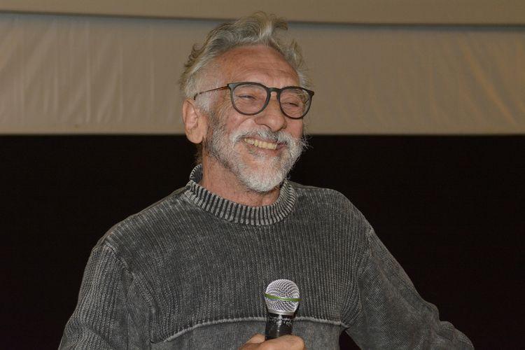 Cine Caixa Belas Artes 3 / O diretor Edgard Navarro apresenta seu filme Abaixo a Gravidade