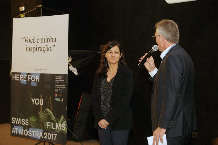 Cine Caixa Belas Artes 2 / Homenagem a Alain Tanner – Entrega do Prêmio Leon Cakoff / Renata de Almeida, diretora da Mostra, e Claudio Leoncavallo, Cônsul Geral da Suíça