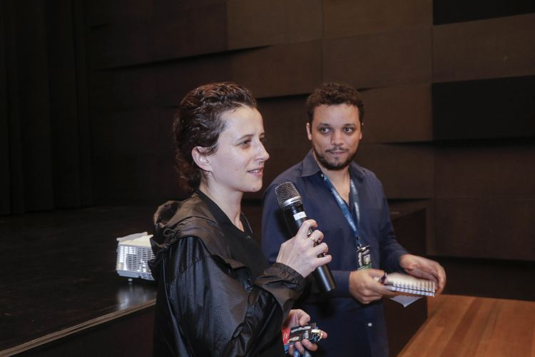 IMS – Instituto Moreira Salles / Katharina Wyss, diretora do filme Sarah Interpreta um Lobisomem, apresenta a sessão
