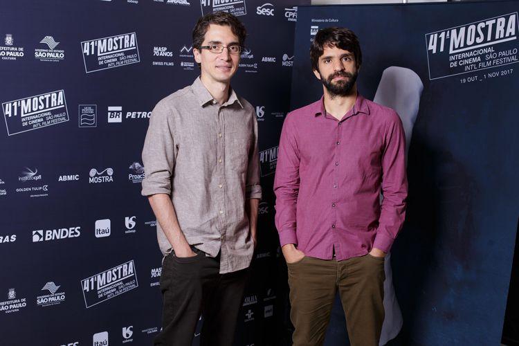 Caio Cavechini e Carlos Juliano Barros, diretores do filme Cartas Para Um Ladrão de Livros