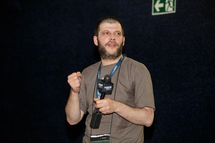 Cinearte 2 / Anton Gonopolski, diretor de O Filme Invisível, no debate após a sessão