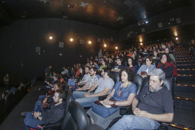 Espaço Itaú de Cinema – Frei Caneca 1 / Público para a sessão do filme Cartas Para Um Ladrão de Livros, de Caio Cavechini e Carlos Juliano Barros