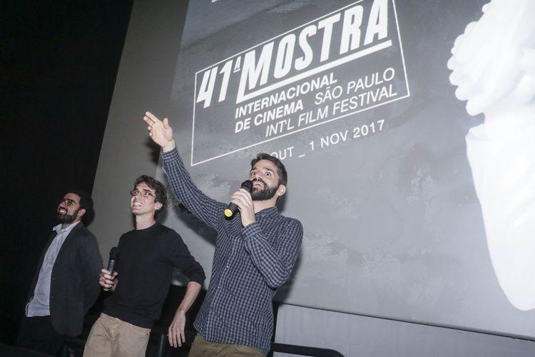 Espaço Itaú de Cinema – Frei Caneca 1 / Os diretores Caio Cavechini e Carlos Juliano Barros e a equipe do filme presentes na sessão de Cartas Para Um Ladrão de Livros