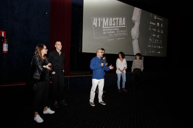 Cinearte 1 / A equipe do filme Aos Teus Olhos, de Carolina Jabor, apresenta a sessão
