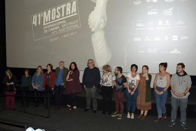 Espaço Itaú de Cinema – Frei Caneca 2 / Caroline Leone, diretora de Pela Janela, apresenta seu filme junto à equipe