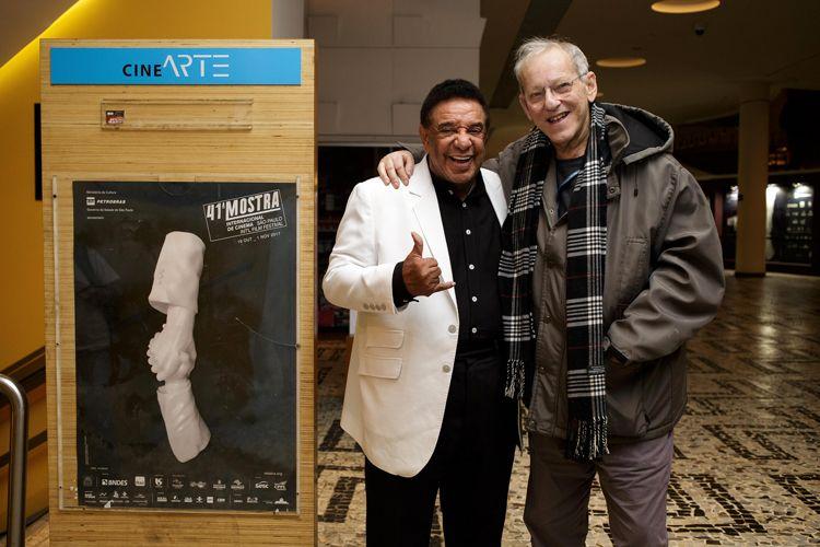 Agnaldo Timóteo (protagonista do filme Eu, Pecador) com o diretor Nelson Hoineff