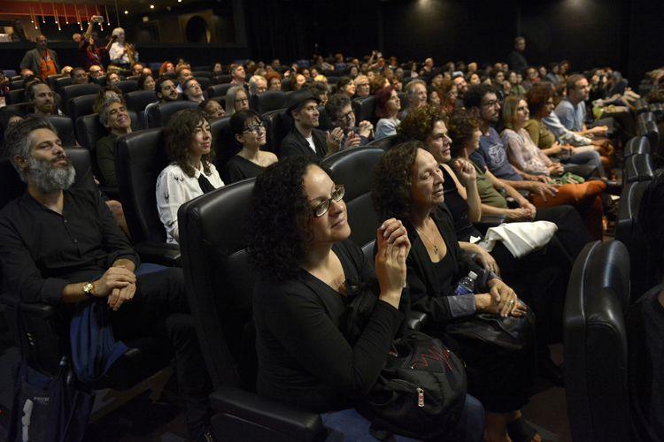 Cinesesc / Público para a exibição do filme A Moça do Calendário, de Helena Ignez