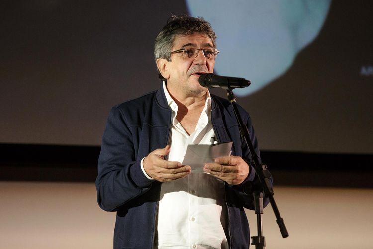 Cinearte 1 / Adhemar Oliveira, do Espaço Itaú de Cinema, anuncia o Prêmio Petrobras de Cinema de Melhor Filme Brasileiro de Ficção para Aos Teus Olhos, de Carolina Jabor