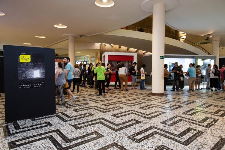 Conjunto Nacional /42ª Mostra Internacional de Cinema/São Paulo Int`l Film Festival - Abertura da Central de vendas