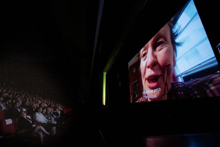 Auditório Ibirapuera /42ª Mostra Internacional de Cinema/São Paulo Int`l Film Festival - Cerimônia de Abertura - Vídeo de Laurie Anderson