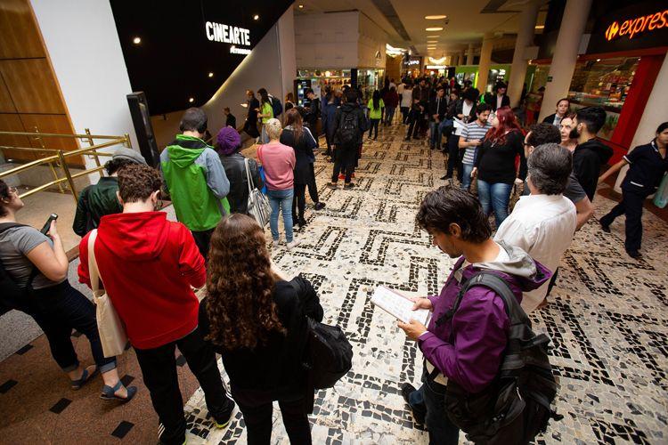 Cinearte Petrobrás/ 42ª Mostra Internacional de Cinema/São Paulo Int`l Film Festival - Venda de ingressos para o filme A Favorita