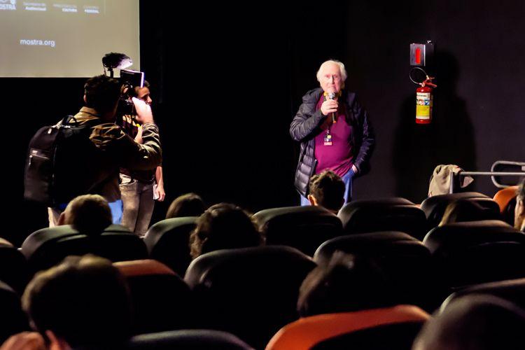 Espaço Itaú de Cinema - Anexo 4/ 42ª Mostra Internacional de Cinema/São Paulo Int`l Film Festival - Apresentação do filme Viaje A Los Pueblos Fumigados com o diretor Fernando Solanas