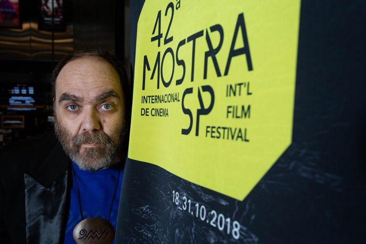 42ª Mostra Internacional de Cinema/São Paulo Int`l Film Festival - André Abujamra, diretor dos filmes Omindá - Showfilme e Omindá - A União do Mundo Pelas Águas