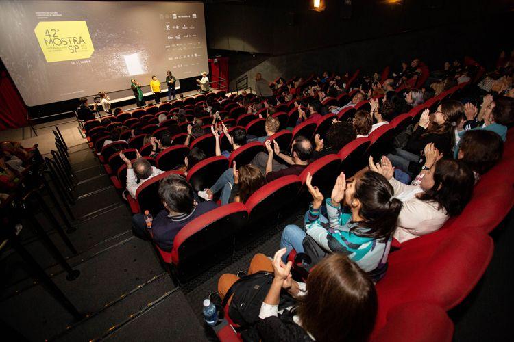 Reserva Cultural 1/ 42ª Mostra Internacional de Cinema/São Paulo Int`l Film Festival -  Apresentação do filme 3 Faces com Tahereh Saeidi Balsini e Solmaz Panahi, esposa e filha de Jafar Panahi, representando o diretor