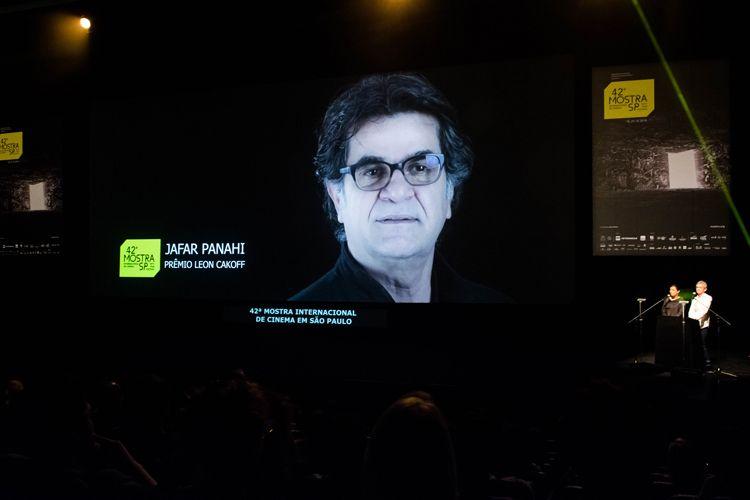 Auditorio Ibirapuera/ 42ª Mostra Internacional de Cinema/São Paulo Int`l Film Festival - Cerimônia de Premiação e Encerramento - Na tela: Jafar Panahi, vencedor do Prêmio Leon Cakoff