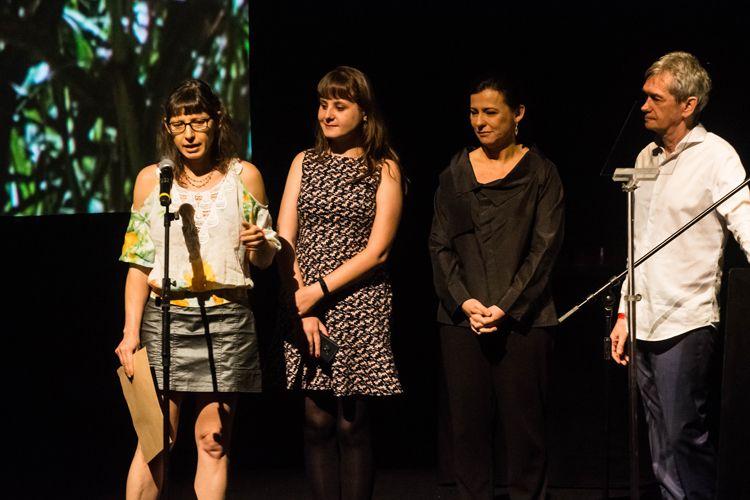 Auditorio Ibirapuera/ 42ª Mostra Internacional de Cinema/São Paulo Int`l Film Festival - Cerimônia de Premiação e Encerramento - Eliane Coster, diretora, recebe o prêmio ABRACCINE pelo filme Meio Irmão