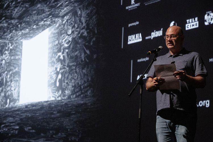 Auditorio Ibirapuera/ 42ª Mostra Internacional de Cinema/São Paulo Int`l Film Festival - Cerimônia de Premiação e Encerramento - Ubiratan Brasil anuncia o prêmio da Crítica de Melhor Filme Internacional