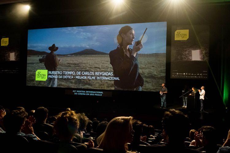 Auditorio Ibirapuera/ 42ª Mostra Internacional de Cinema/São Paulo Int`l Film Festival - Cerimônia de Premiação e Encerramento - Na tela: Nuestro Tiempo, filme vencedor do Prêmio da Crítica de Melhor Filme Internacional