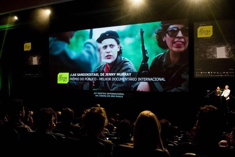Auditorio Ibirapuera/ 42ª Mostra Internacional de Cinema/São Paulo Int`l Film Festival - Cerimônia de Premiação e Encerramento - Na tela: ¡Las Sandinistas!, filme vencedor do Prêmio do Público de Melhor Documentário Internacional