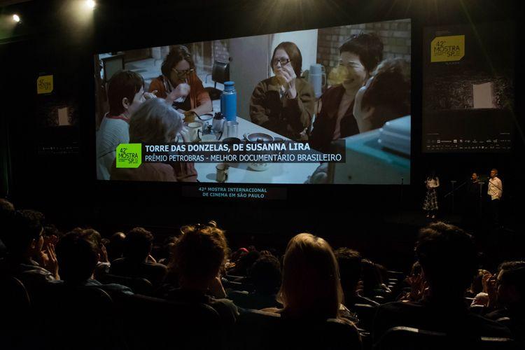 Auditorio Ibirapuera/ 42ª Mostra Internacional de Cinema/São Paulo Int`l Film Festival - Cerimônia de Premiação e Encerramento - Na tela: Torre das Donzelas, filme vencedor do Prêmio Petrobras de Melhor Documentário Brasileiro