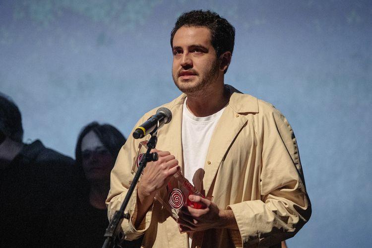 Auditório Ibirapuera/42ª Mostra Internacional de Cinema/São Paulo Int`l Film Festival - Cerimônia de Premiação e Encerramento -O diretor Alex Moratto  recebe o prêmio Menção Honrosa do júri pelo filme Sócrates