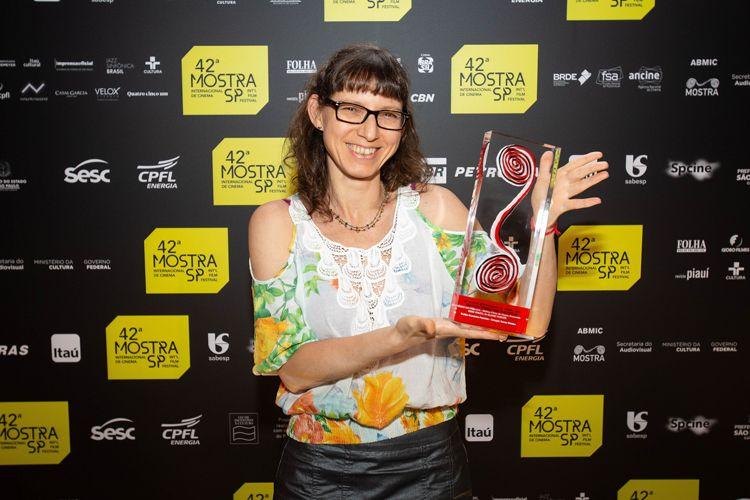 42ª Mostra Internacional de Cinema/São Paulo Int`l Film Festival - Cerimônia de Premiação e Encerramento - Eliane Coster, diretora do filme Meio Irmão