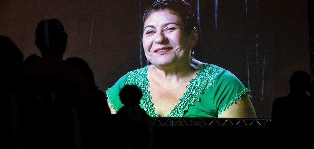 """""""As Canções"""" emociona o público na abertura das exibições no vão-livre do Masp"""
