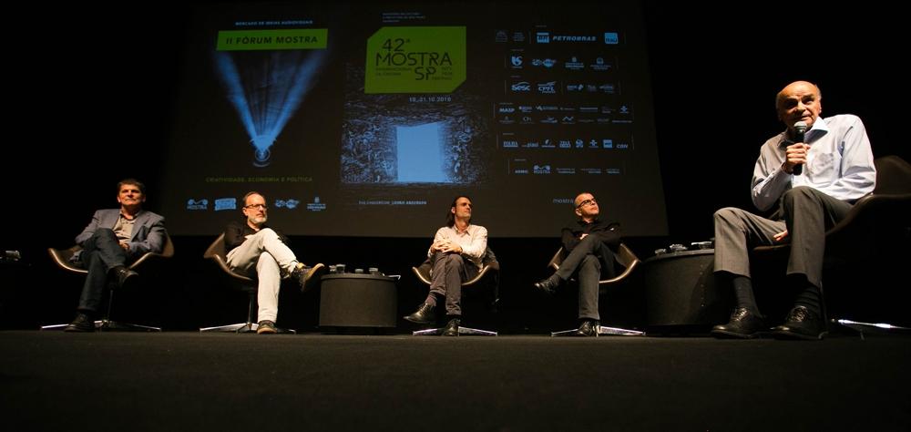 Drauzio Varella é homenageado em mesa do II Fórum Mostra